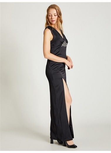 Vekem-Limited Edition Broş Detaylı Abiye Elbise Siyah
